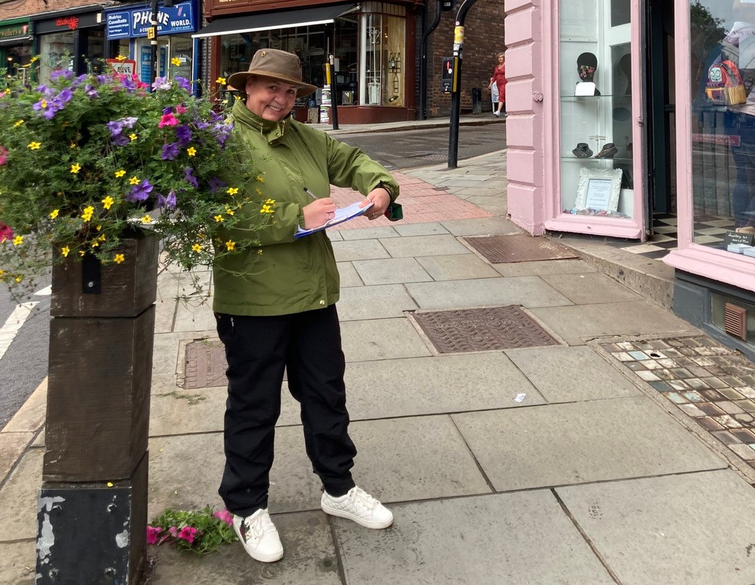 Read more about the article SBC Vice Chair pounds the streets judging the Flower Show Shop Windows Competiton